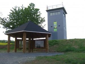 Grenzturm mit Info-Pavillon am 25.05.2008